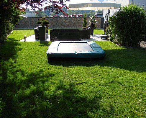 Garten für Kinder mit Trampolin GartenBaur