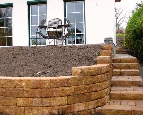 GartenBaur Anlage von Natursteinmauern